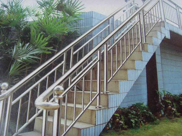 雷竞技真假楼梯扶手